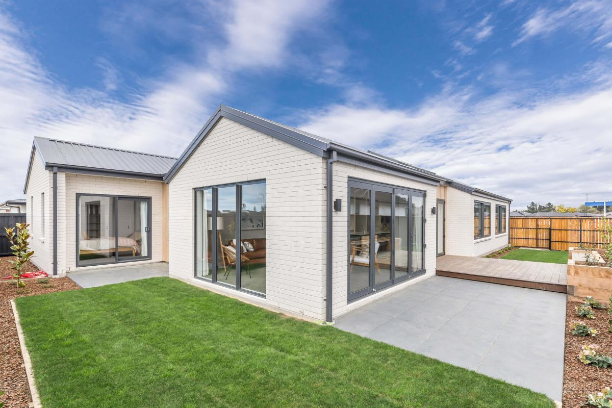 Orange Homes, Showhome - Prestons Park